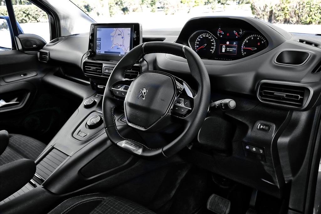 「シトロエン・ベルランゴ+プジョー・リフター×メルセデス・ベンツ GLB」フレンチ・ミニバンは欧州ファミリーカーの主役か!?