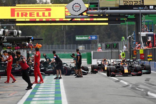 F1イタリアGP予選でピットレーンがカオスに。アストンマーティンとアルピーヌに罰金