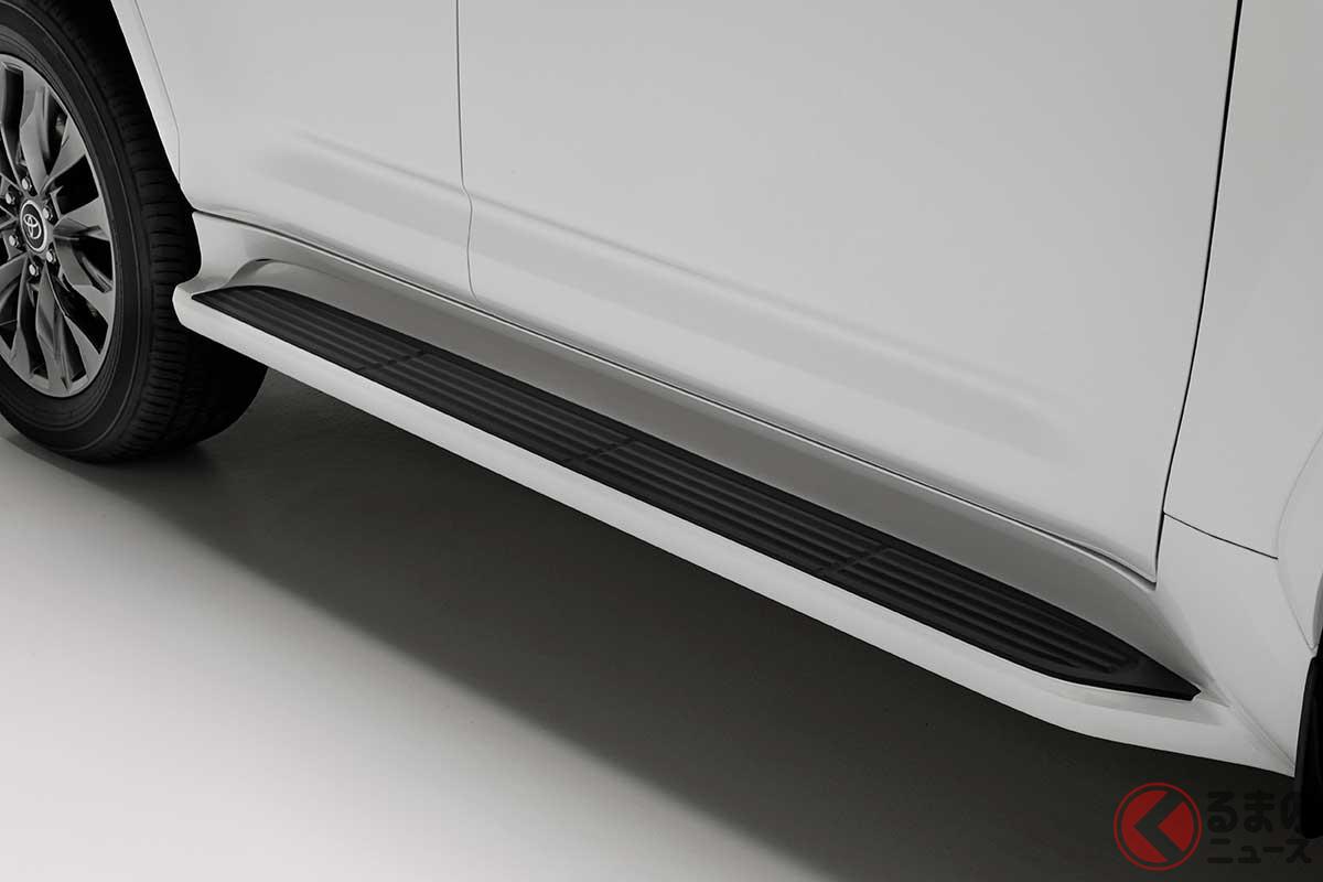 トヨタ新型「ランドクルーザー」は無骨でカッコいい! スポーティな「GR顔」が好印象!