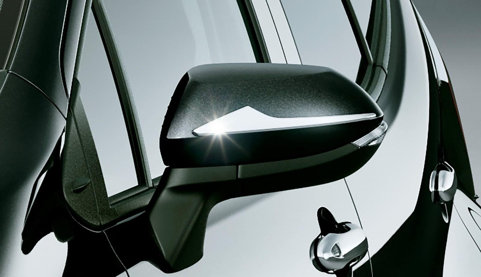コンサバ路線な新型アクアのデザインを変身させる純正エアロパーツが早くも発売される