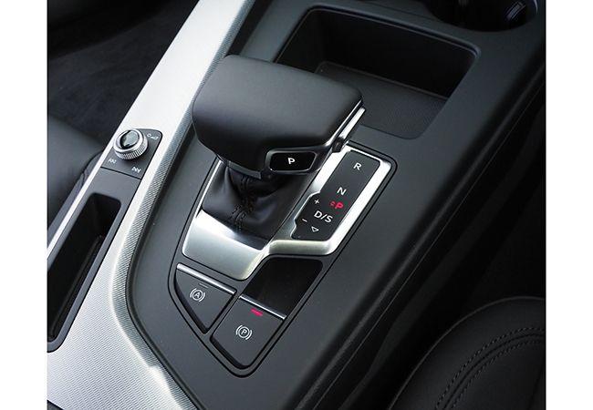 「最新モデル試乗」控えめなブリスターフェンダールック、12Vマイルドハイブリッドに進化したアウディA4アバントの先進度