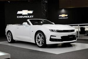 GM フロントデザインを刷新した2020年型「シボレー カマロ」発表
