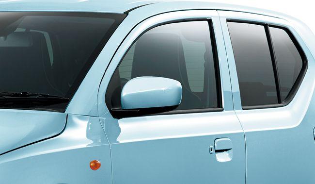 マツダが定番軽乗用車の「キャロル」を一部仕様変更して機能装備を拡充