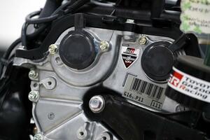 3~400万円のクルマに載るシロモノじゃない! 量産だけど高精度なGRヤリスの「エンジン」の生産に迫る