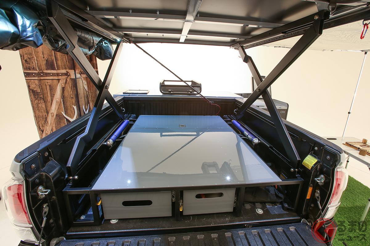 小さく運んで広々使える! キャンプブームで「トレーラー×大型テント」に熱視線!