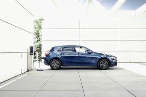 メルセデス・ベンツ日本、「Aクラス」にPHVモデル EV走行距離は70km 557万円から