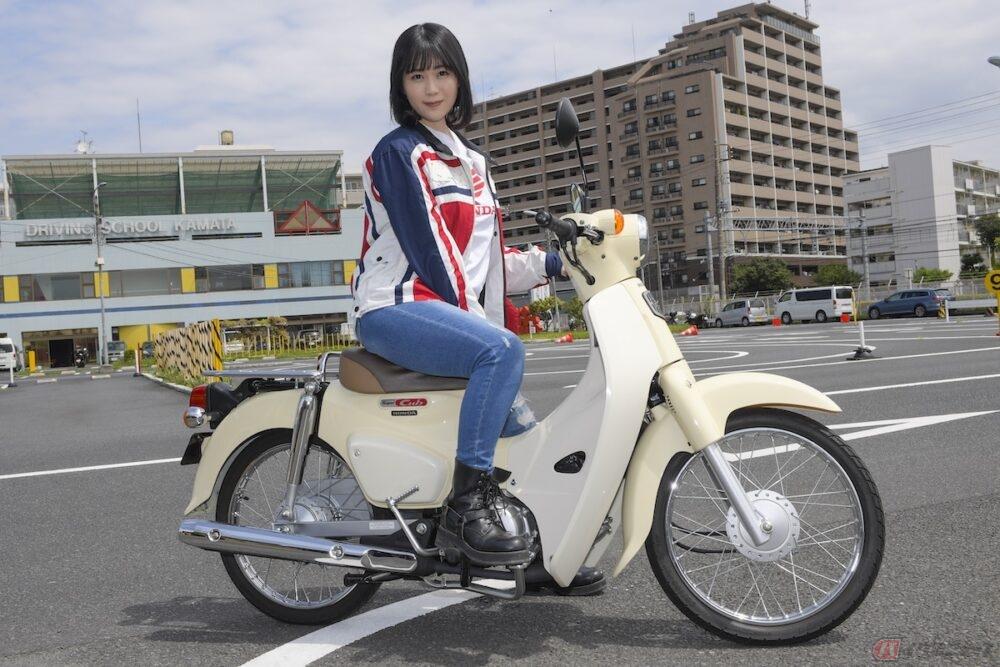 バイクに装備されているキャブレターの役割とは?