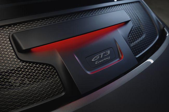 「さりげない高性能モデル」ポルシェ911 GT3ツーリングパッケージが日本での予約受注を開始。車両価格は2296万円に設定
