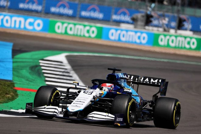 ラッセル、サインツとの接触によるペナルティを受け入れるも「ちょっと厳しすぎる」と振り返る/F1第10戦