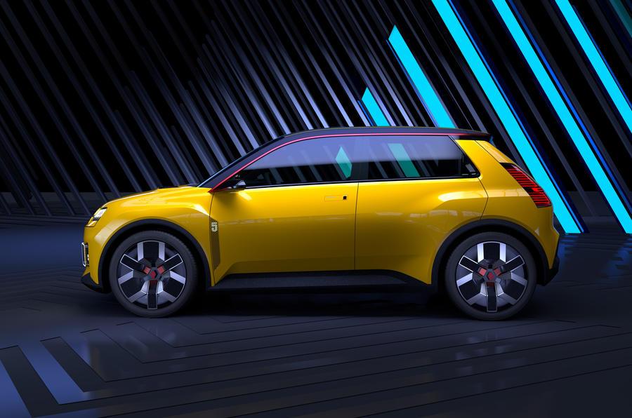 【伝統受け継ぐハッチバック】新型ルノー5 初代と同じ工場で生産 2023年発売