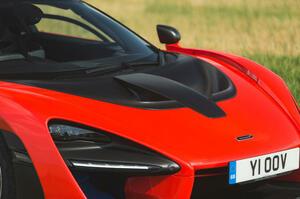 【強い刺激に要注意】世界最高のハイパーカー 10選 恐ろしく高価で速いクルマたち