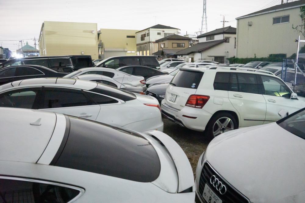 【カーシェア投資】突然の事業停止 240台超の「高級車」敷地にすし詰め 被害者に共通点 今すべきことは