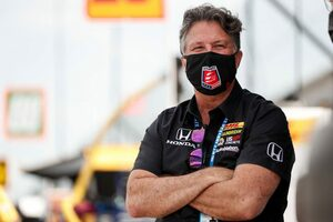 F1チーム買収の噂が飛び交うアンドレッティ。チームオーナーのマイケルは参戦に向け「取り組んでいる」と父マリオが明かす