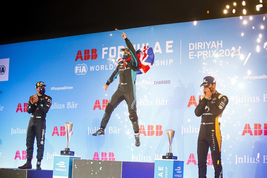 フォーミュラEシーズン7第2戦 ジャガーへ移籍のサム・バードが勝利