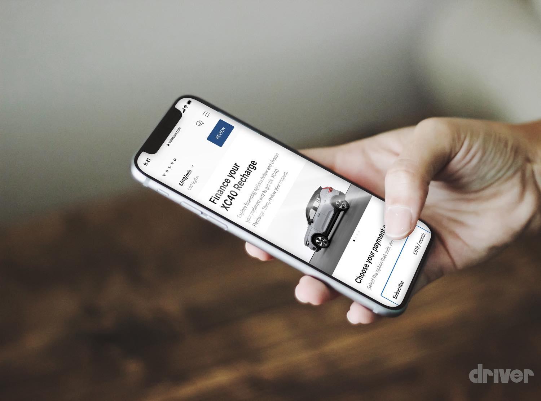 【販売方法も斬新!】ボルボが新型BEV「C40 リチャージ」を初公開! これを皮切りにBEV専用メーカーへ