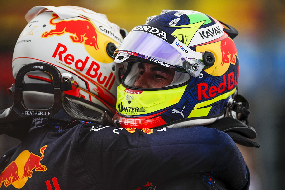 レッドブル・ホンダのペレス連続表彰台「ハミルトンを抜いて1-2フィニッシュするまで、あと3周必要だった」