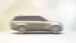 新型レンジローバーが10月27日朝に世界初公開へ! 砂漠のロールス・ロイスはどう変わるのか