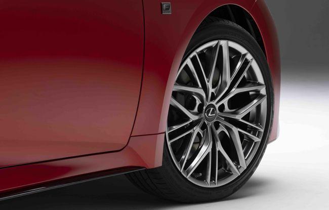レクサスISの高性能バージョン「IS 500 Fスポーツ パフォーマンス」が北米でデビュー