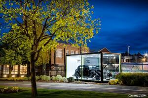 ベントレーの製造拠点が英国・クルー工場へ移転して75年。電動化に向けた未来へ進む