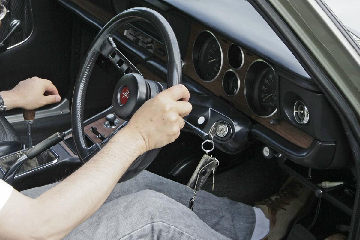「発進するときはまず2速に入れる」ってナゼ? 旧車乗りには「当たり前の儀式」8つ