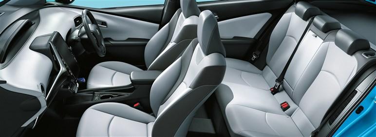 トヨタ「プリウスPHV」 現行モデルの特徴をチェックする