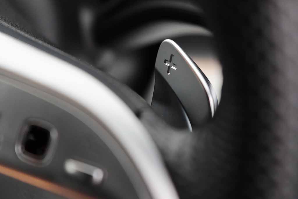 敢えて古典的SUVのスクエアなフォルムに仕立て上げているのが好感度高し!「新型メルセデス・ベンツGLB」【試乗記】