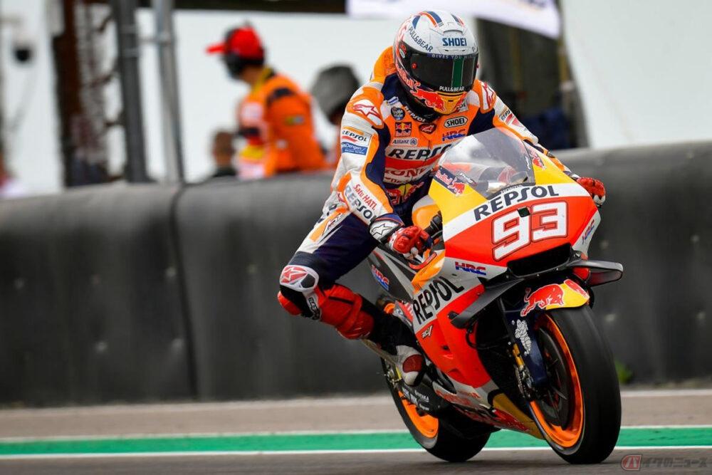 【MotoGPアナライズ】2019年仕様に近いタイヤ、雨、ドゥーハンとの電話…M・マルケスの581日ぶり勝利の要因とは?