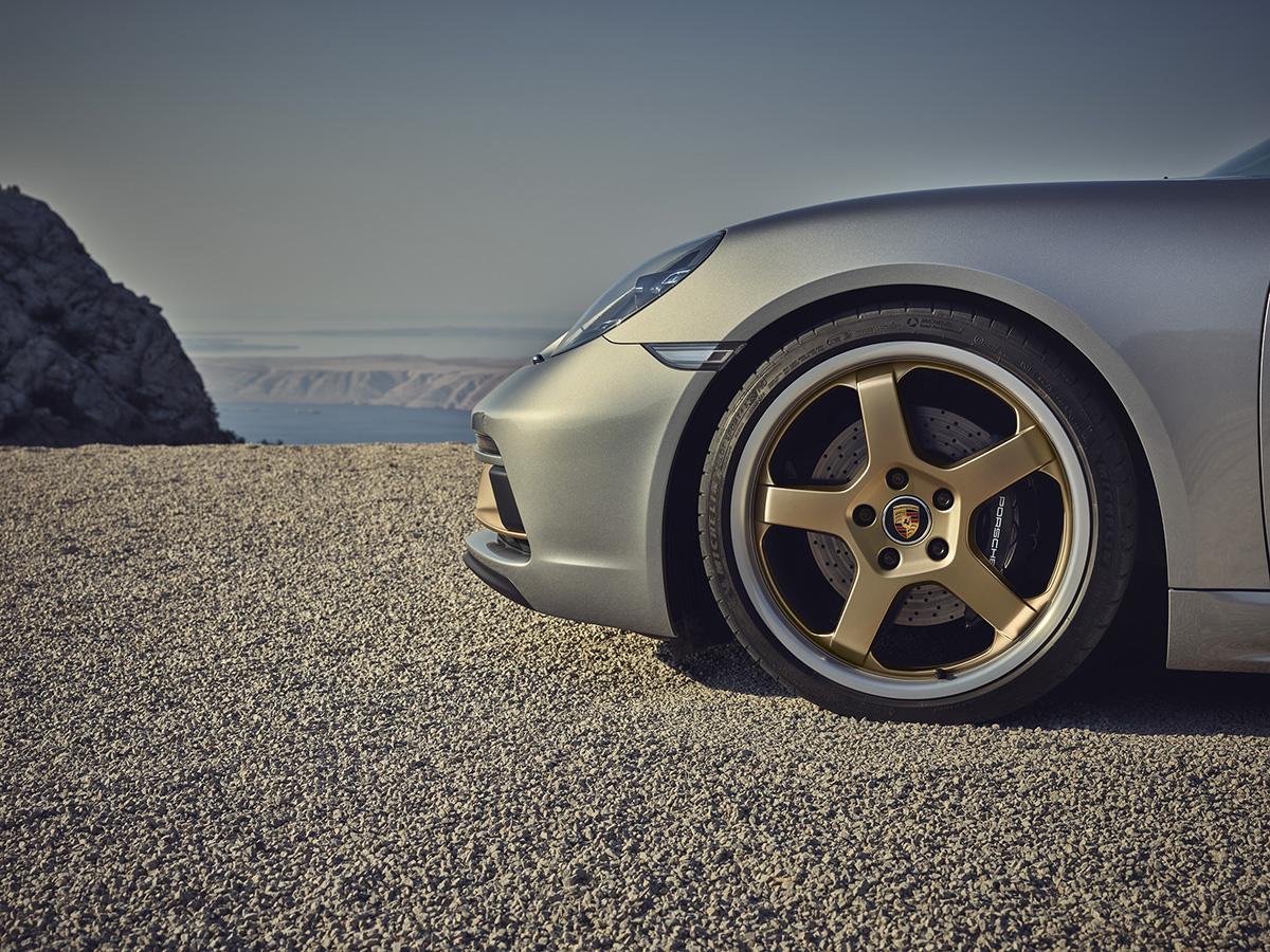 ポルシェ・ボクスター限定モデル「25イヤーズ」の予約受注開始! コンセプトカーをイメージした内外装が特徴