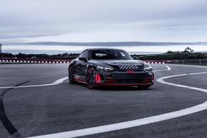 アウディ、RSシリーズ初のEVスポーツが間もなくデビュー! フォーミュラEドライバーが走りの印象を語る