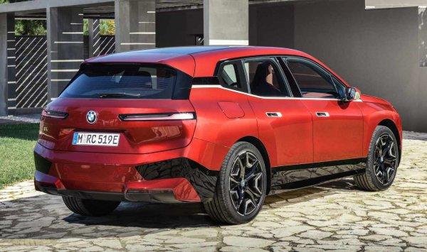 今秋上陸のBMW新SUV! iXの最初期モデルは豪華仕様に