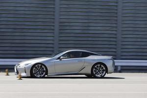 BMW 850iの瞬発力、ストッピングパワーはかなり優秀だが、レクサス LC500hも大善戦【清水和夫のDST】#102-2/4