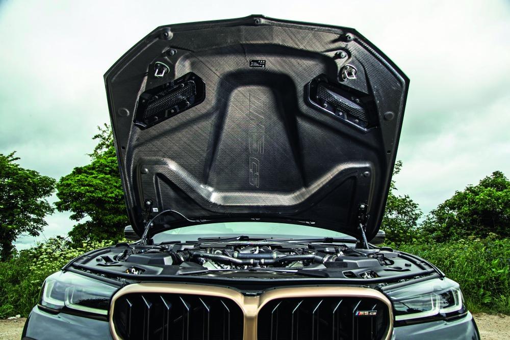 【詳細データテスト】BMW M5 走りは全方位で進化 実用性の犠牲は最小限 まさに究極のM5