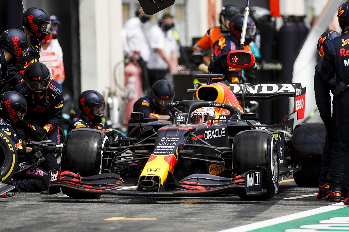 """F1のピットストップは""""速すぎる""""? FIAが新たな規制を導入、安全上の理由で抑制に動く"""