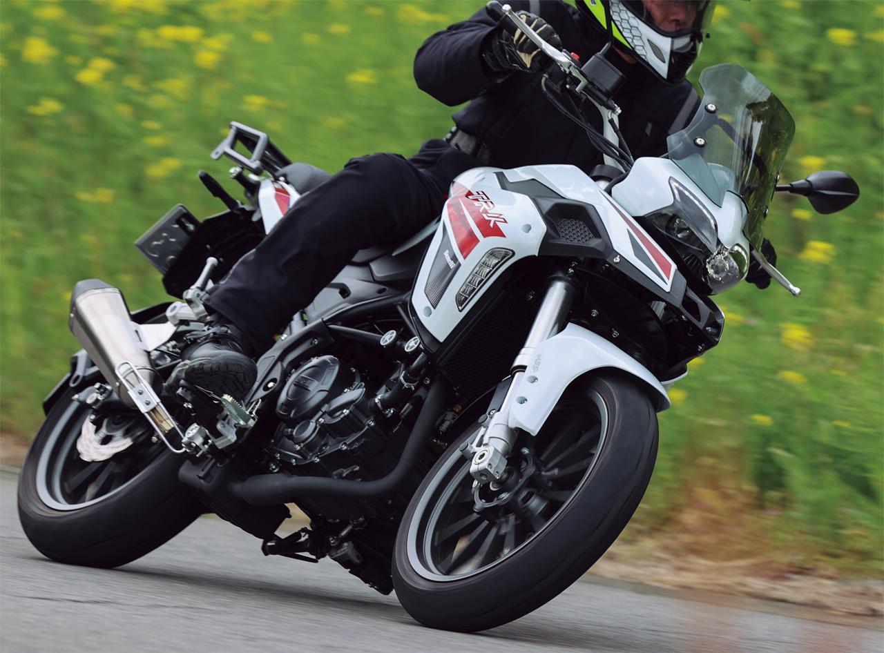 ベネリ「TRK251」インプレ(2021年)250ccで長距離ツーリングを楽しみたいライダーの新たな選択肢となるか、価格・燃費に注目