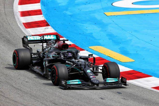 「マイケル、青旗だ」メルセデスF1代表の珍しい訴え。FIAとチームの無線公開は新たな取り組み