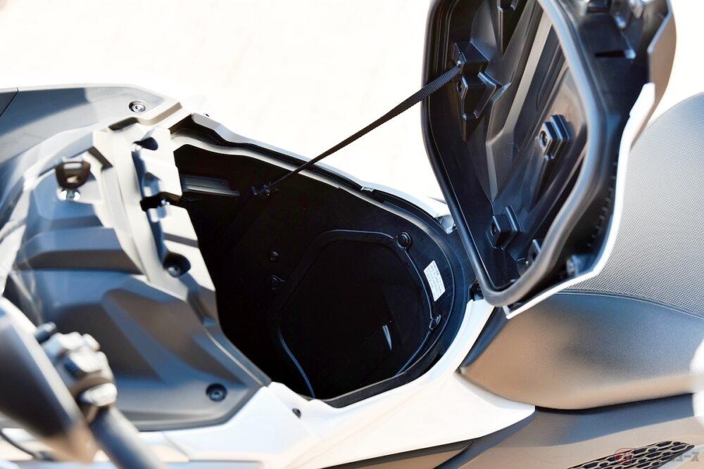 さらにアクティブな毎日へ! ホンダが大型スポーツモデル「NC750X」「NC750X デュアルクラッチ トランスミッション」をフルモデルチェンジ