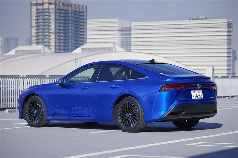 話題の新型燃料電池車ミライはアルファード好きよりクラウン好きに刺さるかも!?