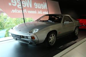 発売当時は不人気だった! FRポルシェ「928」が何故今注目されるのか