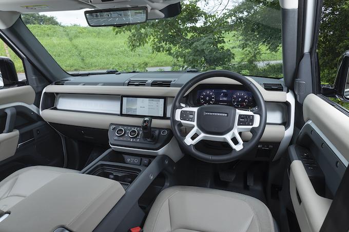 クロカンに現代的解釈を加えた、実にモダンなオフローダー LAND ROVER DEFENDER 110 S【Car as Art !】