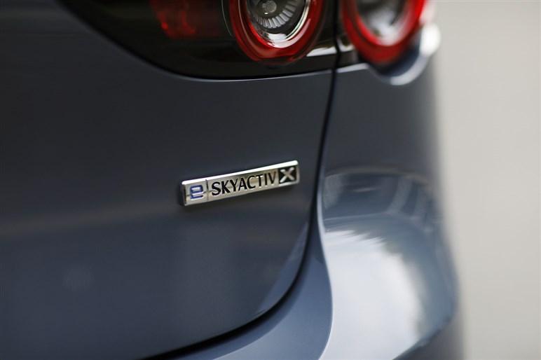 マツダ3改良モデル試乗 やや弱かった走りの質が高められ全体の統一感を得た