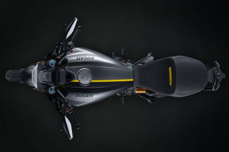 ドゥカティ「ディアベル1260S」の新バージョン、左右非対称「ブラック&スチール」が登場!