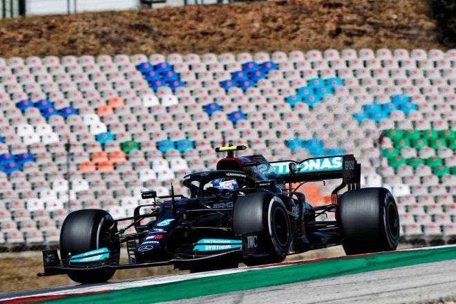 【F1第3戦無線レビュー(1)】「力強く行け! 君のクルマが最速だ」後退したボッタスにチーム代表が激励