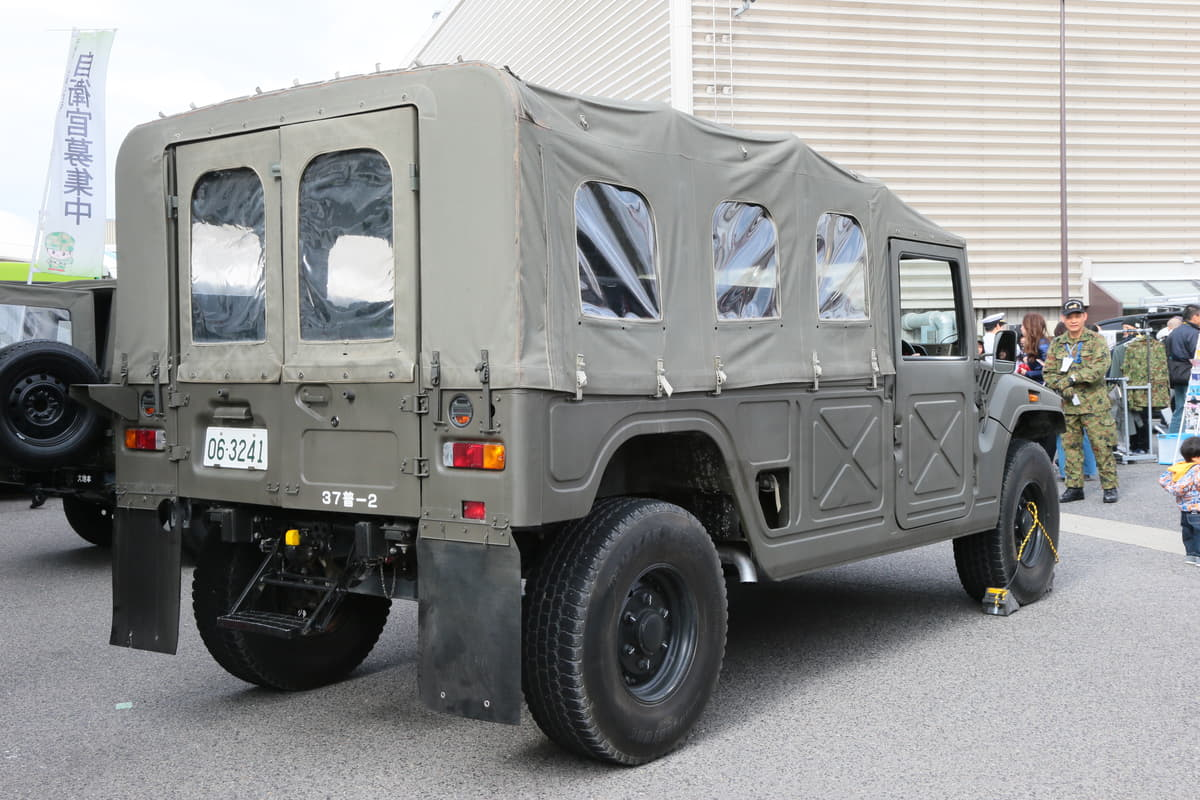 自衛隊の高機動車「和製ハマー」と言われたトヨタ・メガクルーザーってどんなクルマ