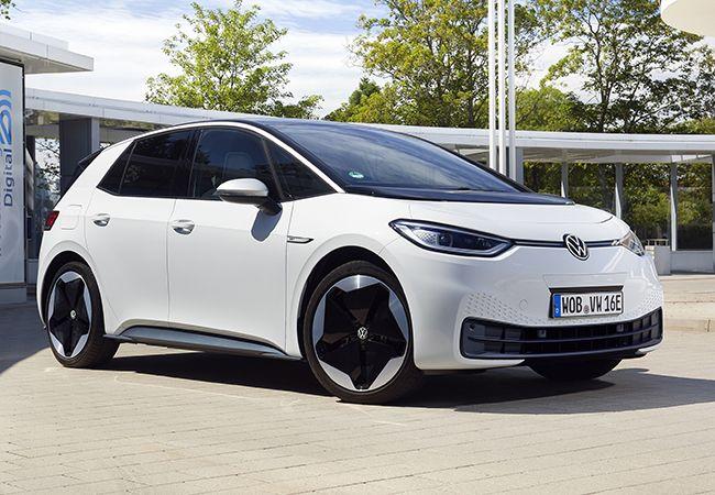 電動車普及のカギを握るバッテリー供給。リチウムイオン電池を発明した日本はどうなっているのか