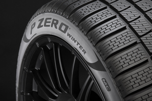 サマータイヤのフィーリングを持つウィンタータイヤ、「ピレリ P ZERO WINTER」発売!