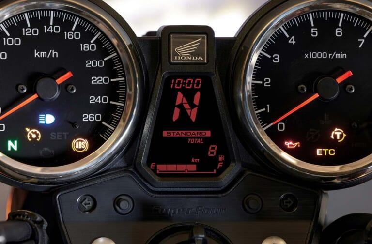 威風堂々! ホンダ新型CB1300SF/SB【電子制御スロットルを得てユーロ5をクリア】