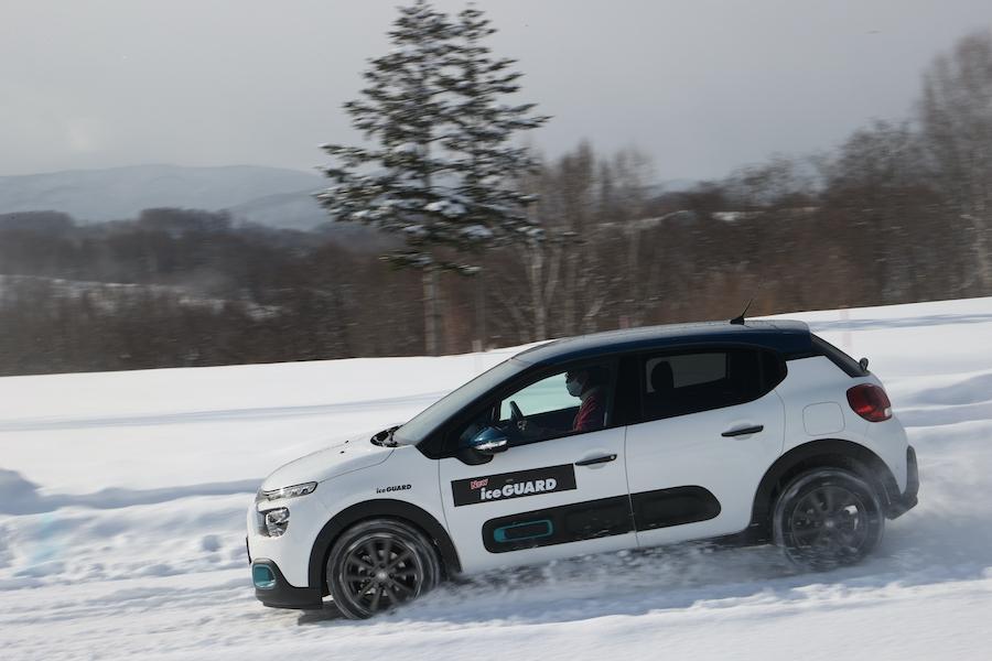 ヨコハマタイヤ 新アイスガード7を雪上・氷上でテスト試乗
