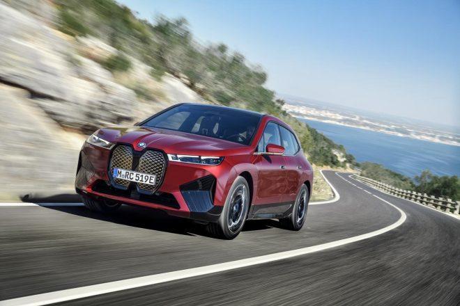 """BMW、電気自動車『iX』の初期生産モデル""""ローンチ・エディション""""のオンライン先行予約開始"""