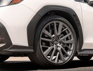 クロスオーバーSUV風オーバーフェンダーの新型WRXが賛否両論 オバフェン ブリフェンのカッコいいクルマ