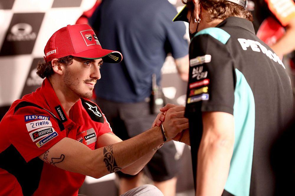 """【MotoGP】バニャイヤ初優勝、実は師匠ロッシによる""""催眠""""が鍵だった? 「正しいタイヤを選ぶように何度も繰り返し語った」"""